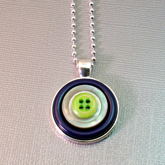 seahawks button necklace
