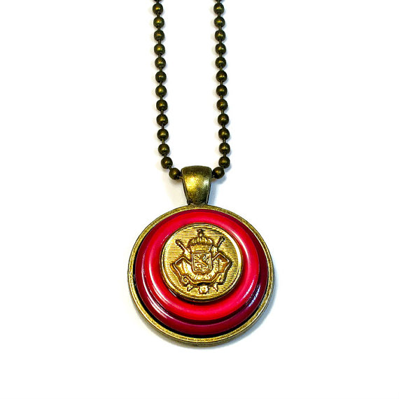 button pendant necklace