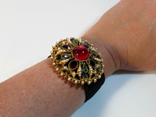 diy upcycled jewelry simple cuff bracelet from a brooch