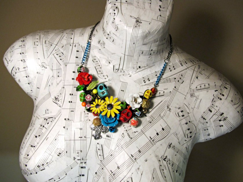 Sold! Sugar skull flower necklace with daisies