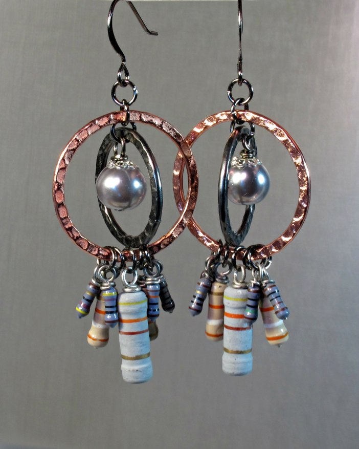 Gray pearl resistor earrings