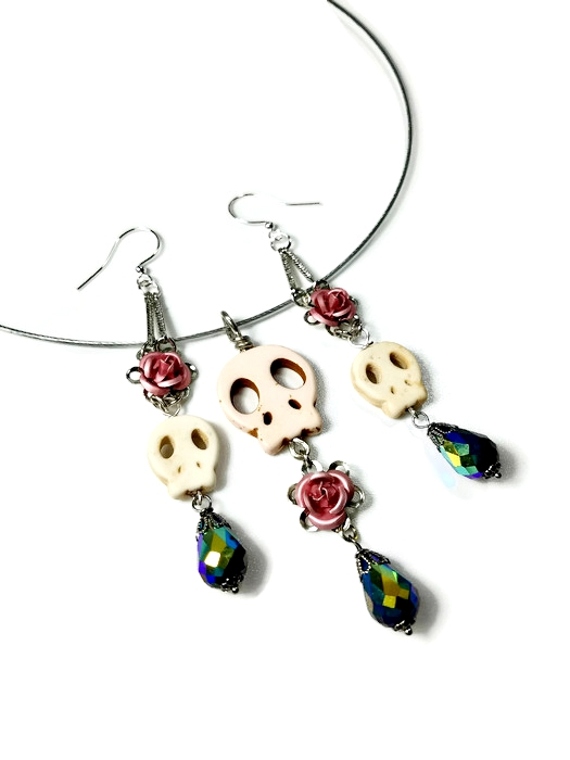 jewelry set, skulls and roses