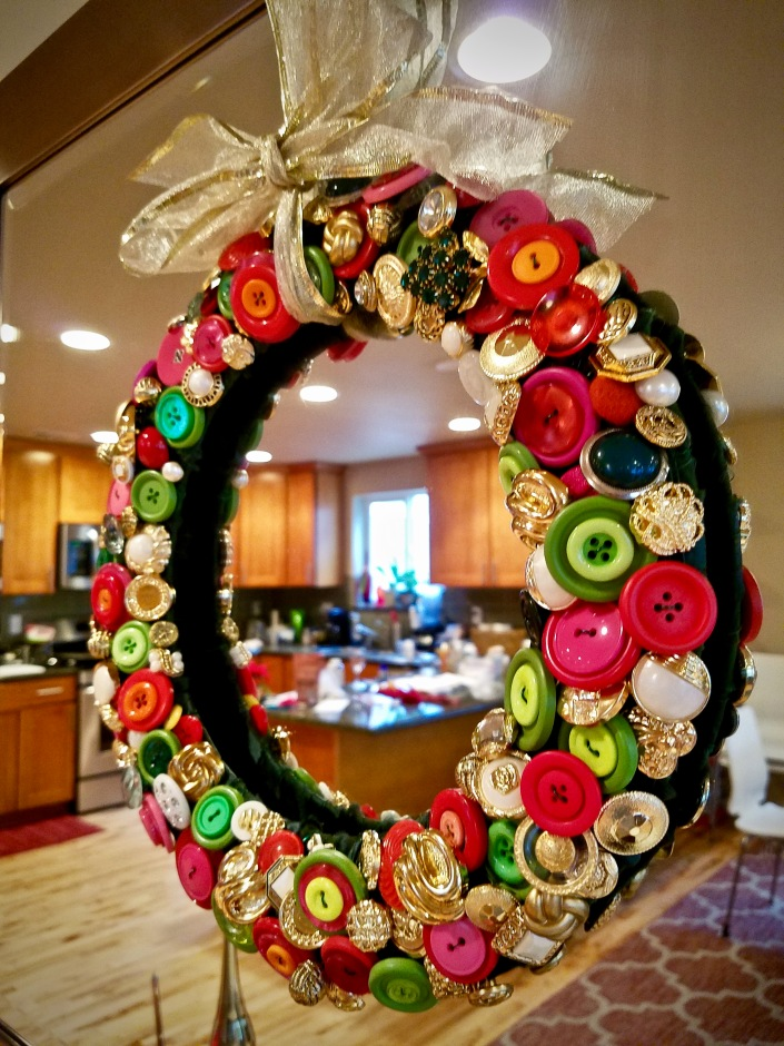 button wreath DIY