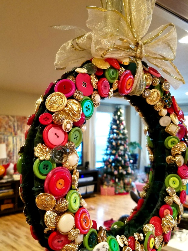 DIY Christmas Button Wreath