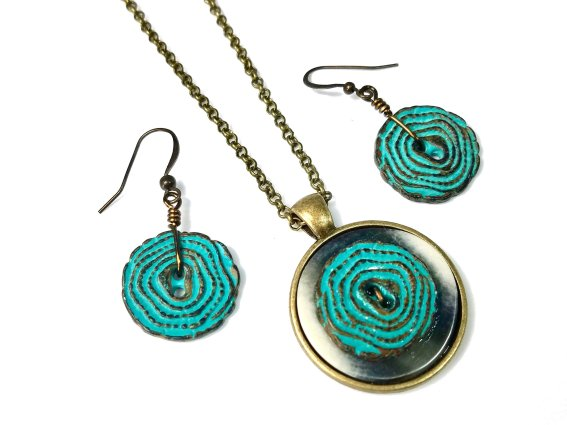 Unique button pendant earring set