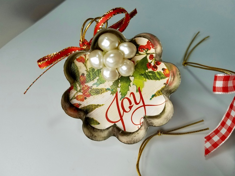 vintage ornaments crafts