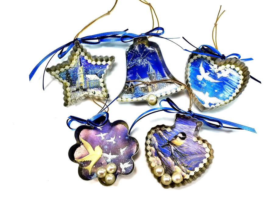 Repurposed vintage ornament set of 5 in blue