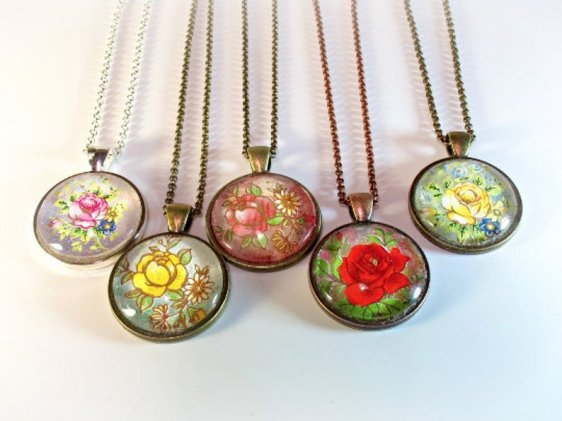 Floral necklace pendants for Mother's Day